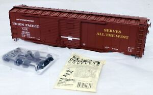 Lionel 6-27228 Double-Door Boxcar with End Door - Union Pacific - O Scale 2-rail