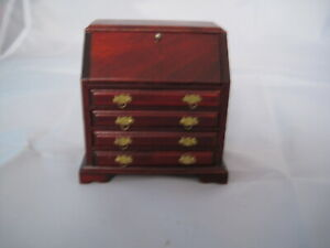 DOLLS HOUSE MAHOGANY WRITING DESK AND DRAWERS