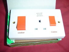 Crabtree 4521/1 Cooker Control Unit With Socket 2 Gang 45 Amp