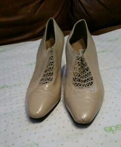 Amanda Smith oxford heels sz.9M taupe/dove gray leather Ted Savage Estate