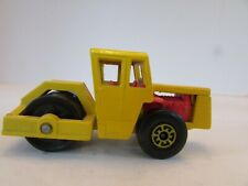 MATCHBOX DIECAST BOMAG ROAD ROLLER CONSTRUCTION #72 YELLOW LESNEY H2