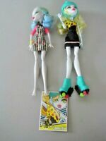 """Monster Doll Lot: """"High Roller Maze"""" Lagoona Blue & Ghoulia Yelps"""