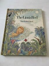 1974 The Lion's Bed by Diane Redfield Massie Weekly Reader Hardcover