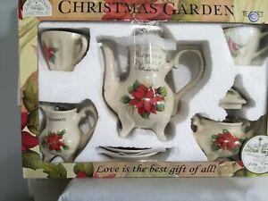 Christmas Garden Pointsettia Design Ceramic 7 Piece Teapot Set NIB