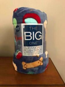 The Big One 5' x 6' SUPER Soft Plush Throw Blanket Dog Bones & Balls  Home Pet