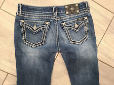 Women's 29 Miss Me stretch jeans: Boot fit, embellished! flap pockets, cute!