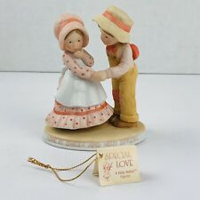 Vtg Holly Hobbie Figurine Special Love Couple 1982 Le Rare Pastels Giving Candy