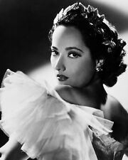 ACTRESS MERLE OBERON - 8X10 PUBLICITY PHOTO (FB-756)