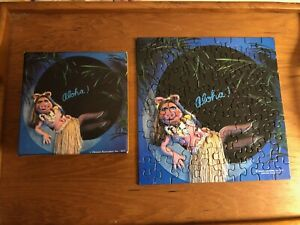 """COMPLETE 1978 Springbok The MUPPETS Mini Jigsaw Puzzle MISS PIGGY PIN-UP """"ALOHA"""""""