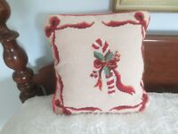"""Steinway Enterprises CANDY CANE & BOWS NEEDLEPOINT PILLOW w/Removable Cover--14"""""""