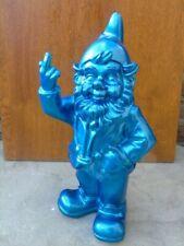 NAIN au doigt d honneur bleu pailleté  , statue d un nain de jardin . nouveau  !