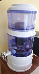 Acala Quell Mini Wasserfilter Stand