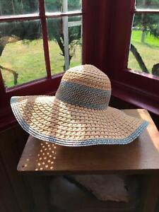 """One Size Marilyn Monroe Brand Floppy Straw Hat w Metal Lips  Tag 22.5"""" around"""