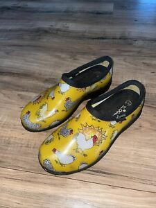 Sloggers Woman's Rain Shoe Boots Size 7 Yellow Chickens Garden Farm Made In USA