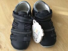 New boys/toddler first walkers/leather shoes/sandals, size 6uk