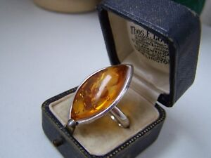 GORGEOUS 925 SOLID STERLING SILVER LARGE NATURAL HONEY AMBER RING SIZE S 9 RARE
