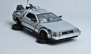 Welly 1:24 Delorean Time Machine Back to the Future 2 Fly Mode Diecast Model NIB