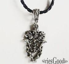 bijou celtique gothique pendentif crânes fleur de lys collier cordon tressé