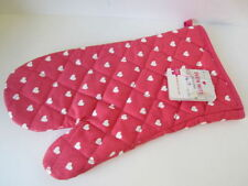 Hearts Oven Mitts and Potholders