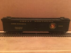 HO Central Valley Ambroid Great Northern Wood Express Reefer Boxcar GN #2026