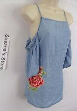 NWT Rue21 Off the Shoulder Denim Flower Top SIZE M what a beautiful denim/flower