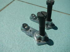 SKATEBOARD TRUCKS X 2 BASE PLATE AND KING PIN ONLY.