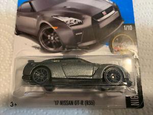 54R- Hot Wheels '17 Nissan GT-R R35 NIP 2017 Nightburnerz Silver
