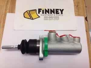 Case 580K EARLY Backhoe Brake Master Cylinder D141779 up to s/n JJG20000!!!