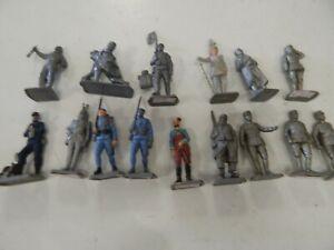 15 Plastic figures by Mokarex