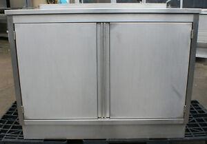 Gastro Edelstahl Arbeitsschrank Arbeitstisch 100x130x93 cm /B
