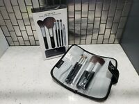 Me MakeOver Essentials - 6pc Brush Set - On the Move - Set in Carrying Case