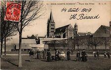 CPA  Brie-Comte-Robert -Place des Fétes   (293018)