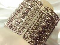 XX Wide Very Fab Vintage 1980's Etruscan Silver Tone  Link Bracelet   214JN9