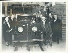 1931 Mrs EJ Hall Wife of Engineer Vintage Devaux Auto Assembly Line Press Photo