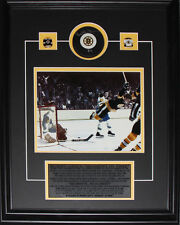Bobby Orr Boston Bruins Signed Puck with 8x10 frame