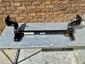 Blue Ox Towing Model BX2119 Baseplate Brackets For 1995-1998 Ford Explorer