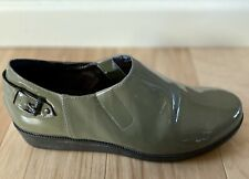 Cole Haan Air Rain Shoes Olive Green Patent Leather Slip On Size 8 Women's
