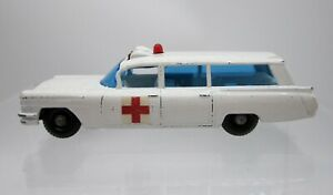Vtg 1965 Matchbox #54 S&S Cadillac Ambulance Regular Wheels - Loose