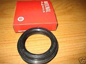 NOS 1968-1978 Toyota Pick-Up Truck Hi-Lux Rear Wheel Outer Oil Seals