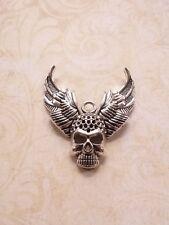 Großer Totenkopf Anhänger mit Flügeln ♥ Biker Halloween * Schmuck Charms Silber