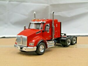 "Diecast Masters Custom KW T880 SBFA 40"" Sleeper Tractor Orange 1/50 new no box."