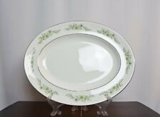 1 Serving Platter of Wedgwood Westbury - Mint Condition - Green & White