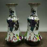 A pair of vases of exquisite vintage Chinese porcelain 70236