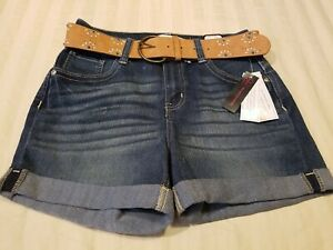 "NEW! No Boundaries Mid Rise Blue Denim Shorts with Belt Womens 7 inseam 4"""