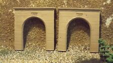N-Scale  2pc. Single Track Portal's 1:160 Model Train Detail Accessories