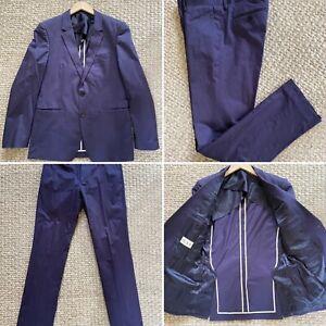 Fantastic Reiss Navy Suit 38 Inch Chest, 32 Inch Waist In VGC