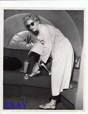 Sheree North sexy feet candid 1955 VINTAGE Photo Idlewild Airport NY