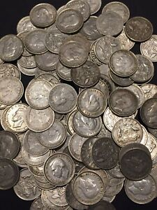 1 x 1910- 1945 AUSTRALIAN SIXPENCE STERLING SILVER COIN