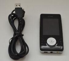 Iriver X20 Portable 8GB MP3 Digital Media Player Built in Speakers FM Radio