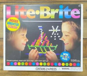 Lite-Brite Ultimate Classic Magic Screen with 6 Templates / 200 Colored Pegs NEW